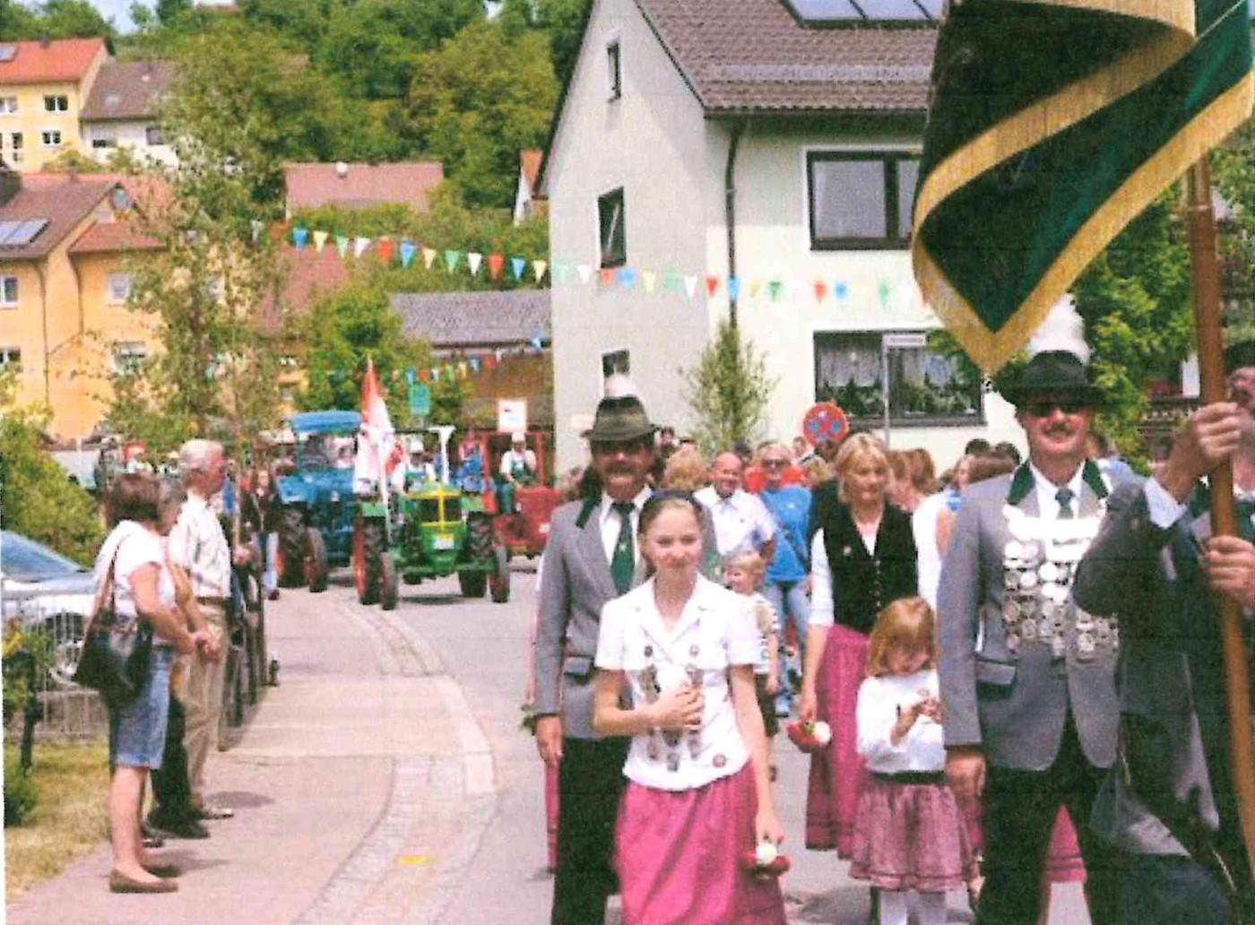 sfl-04-08-a64-jubilaeumumzugschuetzen-2008